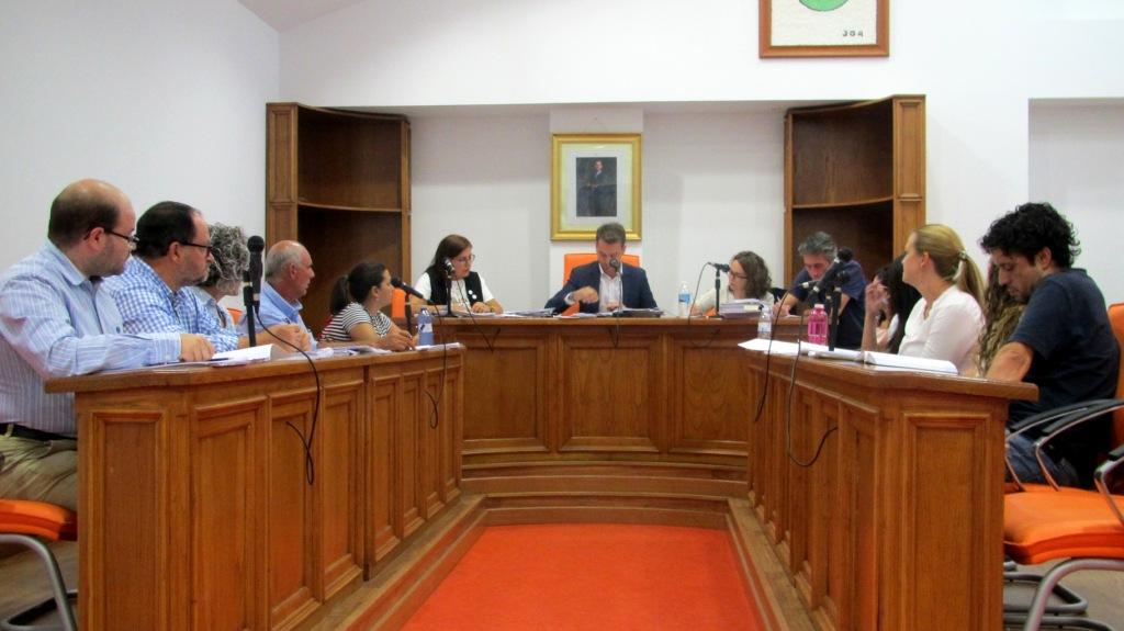 El pleno aprueba una modificación presupuestaria de 700.000 euros