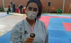 Miriam Calvo, del Club de Karate Jaraíz, bronce en Castilla-La Mancha