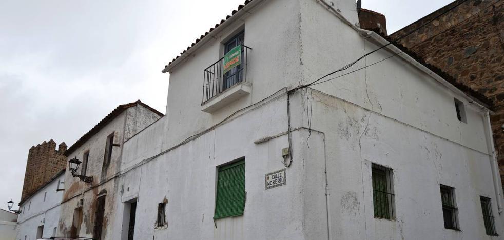 Diputación de Badajoz destina 311.000 euros a la recuperación del lienzo de la muralla en la calle Morería