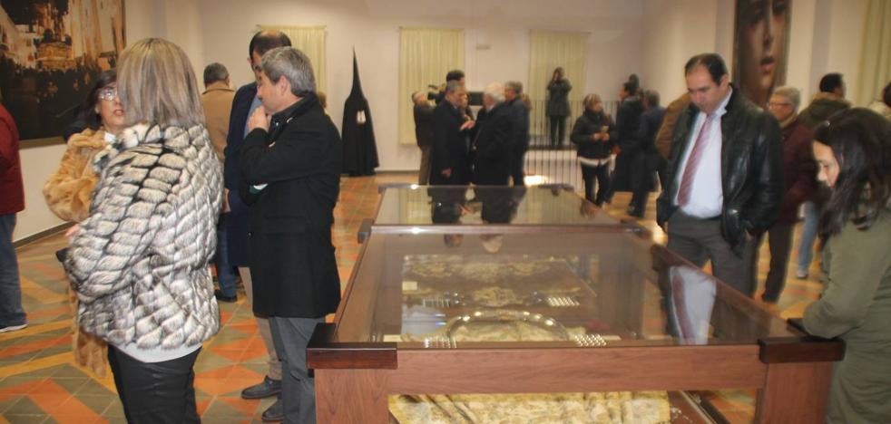 La Cofradía del Silencio abre su Casa de Hermandad en la que ya expone un legado de siglos