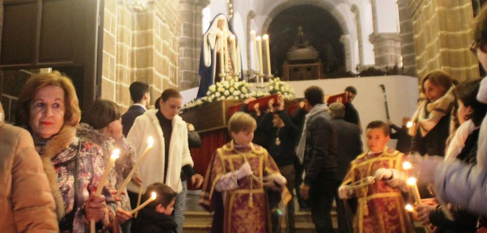 La Cofradía del Coronado celebra este miércoles el solemne traslado de sus imágenes con un carácter especial