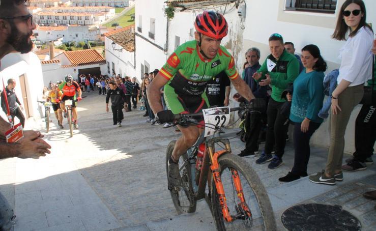 Jerez de los Caballeros vive una magnifica jornada de ciclismo con la 2ª prueba del Open de España Maratón