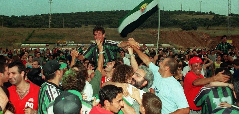 El Jerez rememora su origen y el hito más importante de su historia este sábado en un partido muy especial