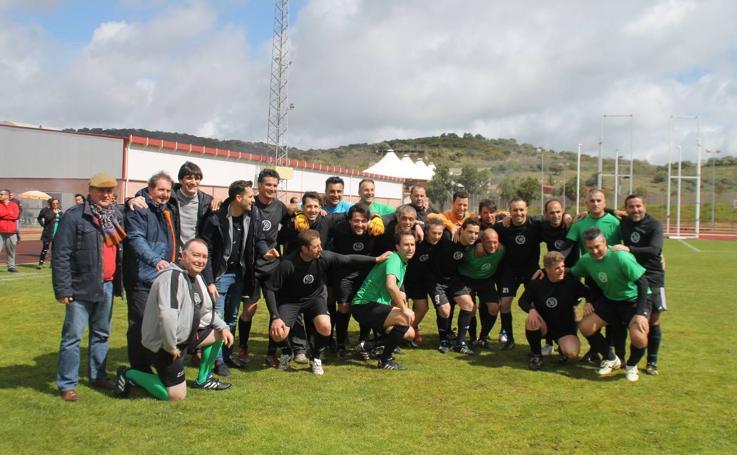 El Jerez Club de Fútbol reúne a muchos de los protagonistas de su historia en un emotivo partido amistoso