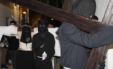 Jerez de los Caballeros se llena de cruces y penitencia