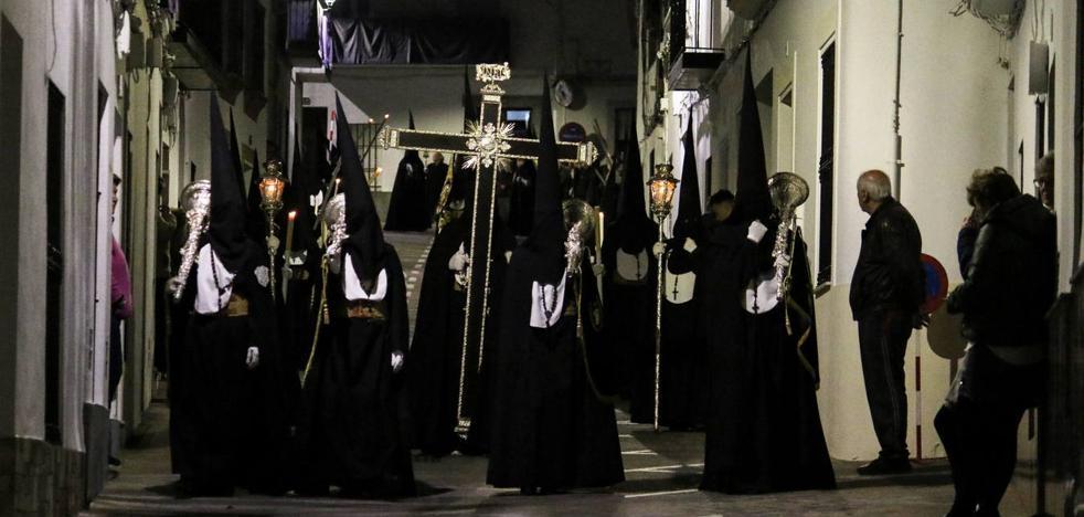 Jerez enmudece el Martes Santo y acompaña con recogimiento la Oración de Jesús en el Huerto