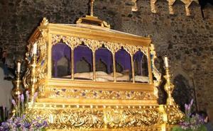 Jerez sigue viviendo su Semana Santa con la solemne y magnífica Procesión Oficial del Santo Entierro