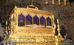 Jerez sigue viviendo su Semana Santa con la solemne y magnífica Procesión del Santo Entierro