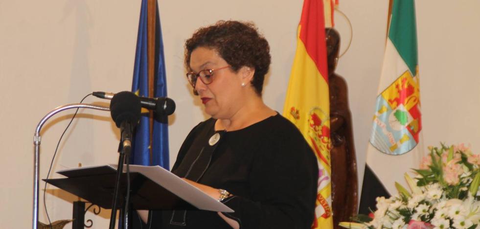 Aguasantas García Borrachero pregona las fiestas patronales de La Bazana con entrañables vivencias