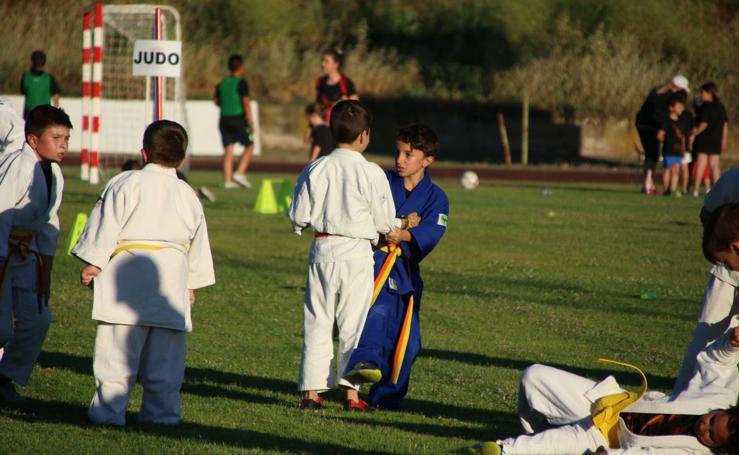 La Escuela Municipal de Deportes celebra su clausura del curso con la exhibición de más de 450 niños y niñas