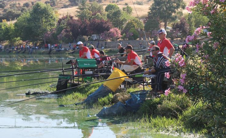 Buen ambiente pero pocas tencas en el Concurso Charca de La Albuera