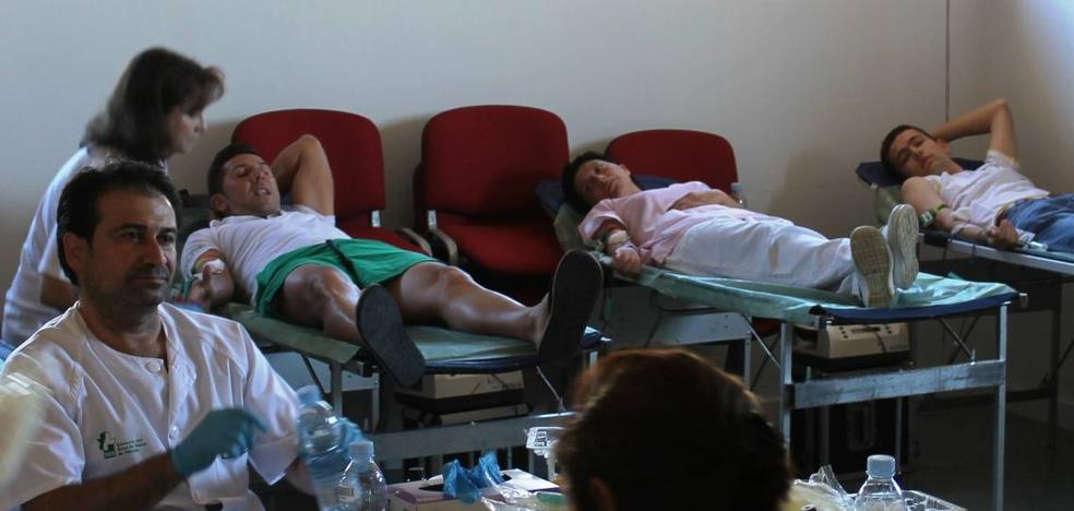 Los donantes aportan 245 bolsas de sangre en la segunda campaña del año en Jerez