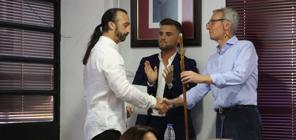 Juan Carlos Santana toma posesión como alcalde de Jerez de los Caballeros entre abucheos
