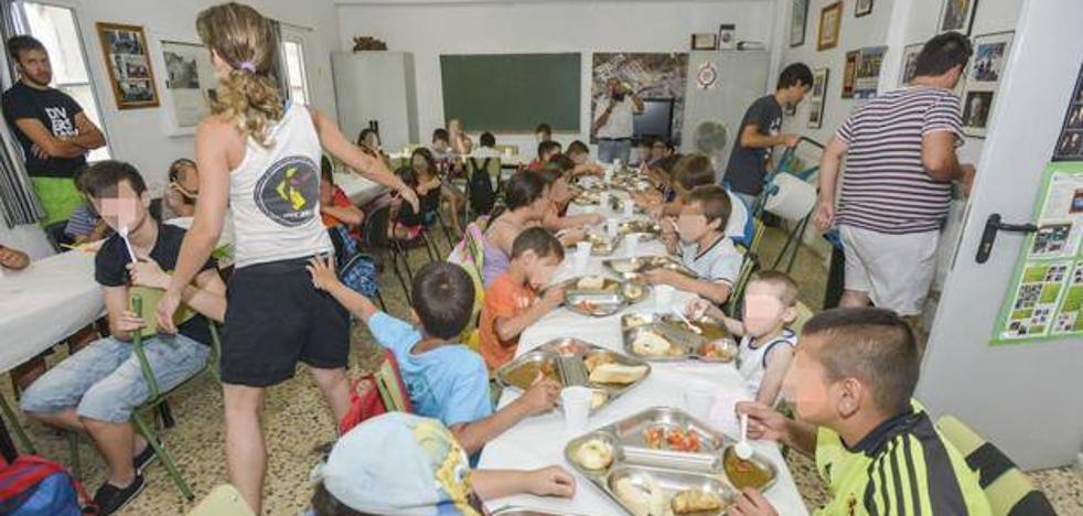 Los 34 comedores de verano cuentan con 980 plazas en 31 municipios, uno de ellos Jerez