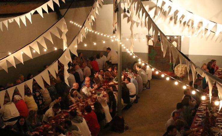 Más de 130 personas disfrutan de la 'II Cena Medieval' de 'Euexia Rural'