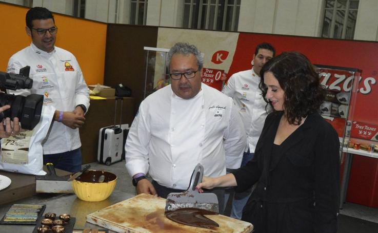 Juan Antonio Parejo y Tomás Carbonero, embajadores de los excelentes productos extremeños en el Salón Internacional del Chocolate de Madrid