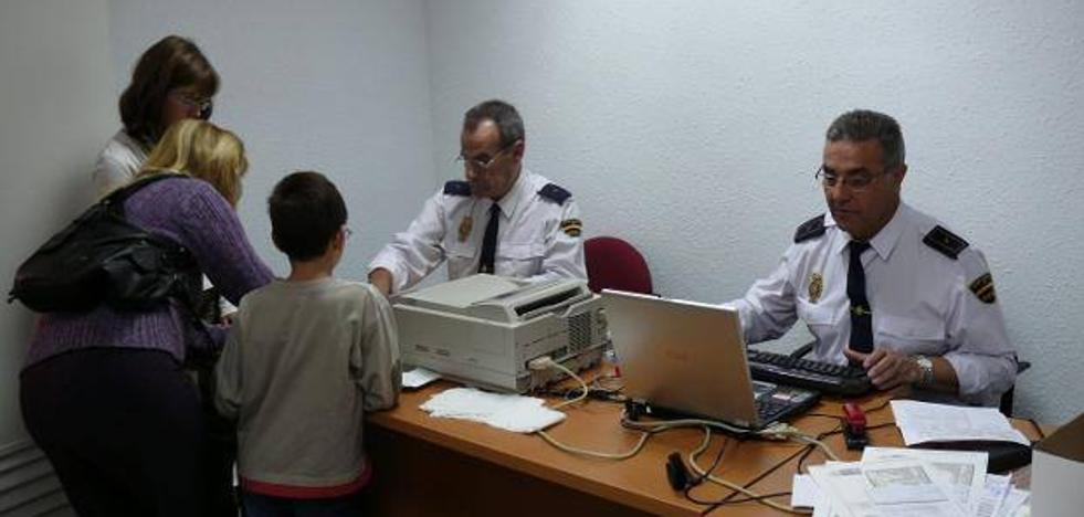 Personal de la Jefatura Superior de Policía de Extremadura se desplazará a Jerez, del 14 al 18 de octubre, para la expedición del D.N.I.