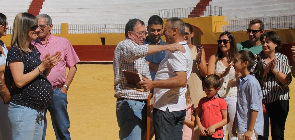 La Asociación 'Conde de la Corte' rinde homenaje a Francisco Gata en su tradicional convivencia