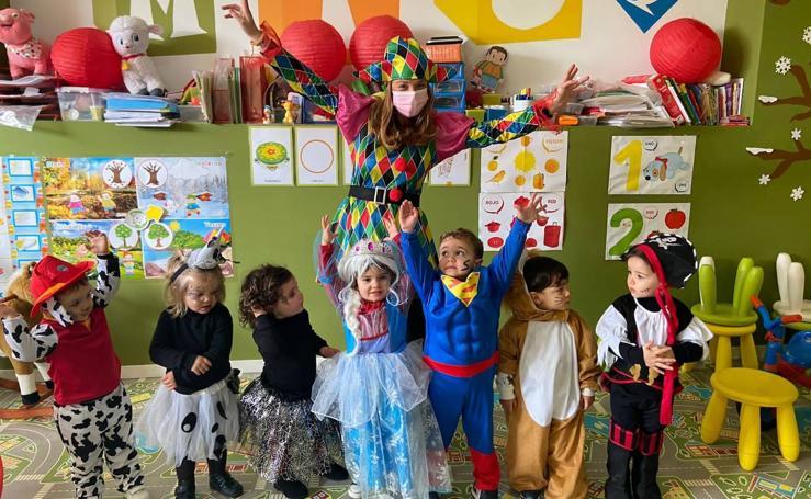 Los centros educativos festejan en las aulas un Carnaval sin desfiles en las calles