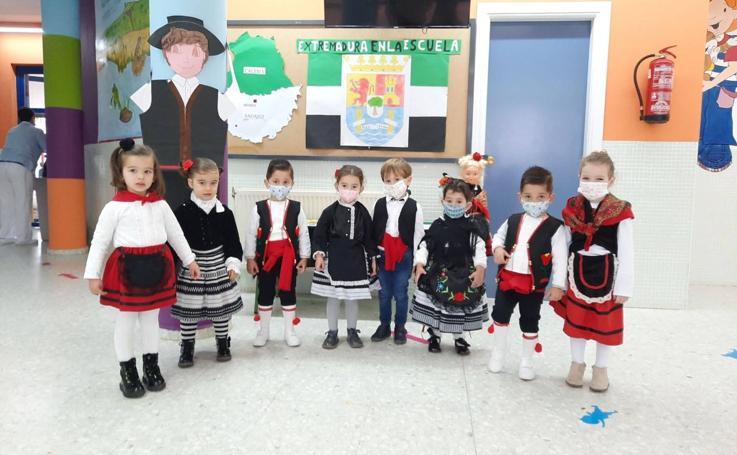 Los centros educativos de Jerez y sus pedanías celebran el Día de Extremadura en la Escuela