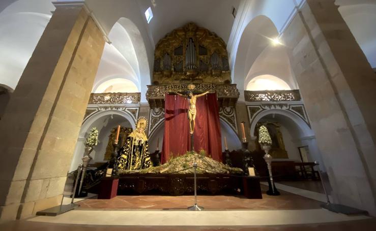 Inaugurada la exposición 'Una joya en Jerez, sus cofradías'