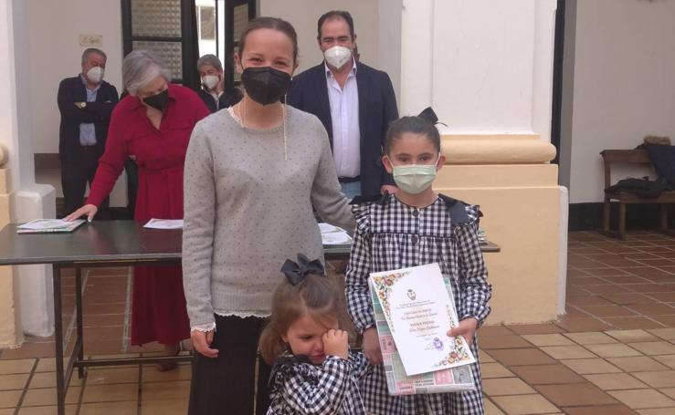 La Junta de Cofradías entrega los premios del concurso 'Semana Santa en el colegio'