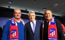 El Atlético de Madrid reconoce los 25 años de la Peña Atlética 'La Zarza'