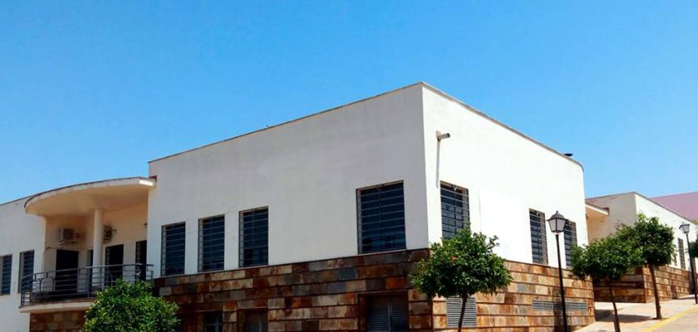 El Ayuntamiento ya gestiona la Residencia de Ancianos