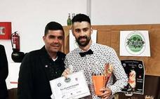 El joven barman de Alange, Antonio Gutiérrez, campeón de Extremadura de coctelería