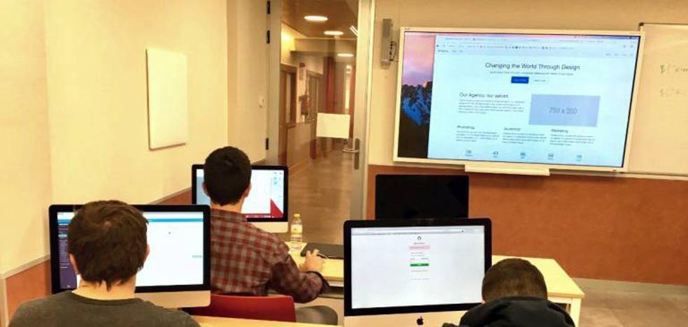 La Universidad Popular oferta talleres informáticos para los próximos meses