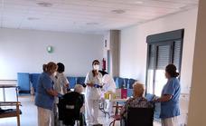 La tercera dosis de la vacuna llega a la Residencia de Mayores
