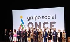 El Ayuntamiento recibe el premio Solidario ONCE 2021
