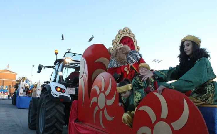 La cabalgata de Reyes dejó en Llerena un sinfín de emociones previas a la noche más mágica del año.