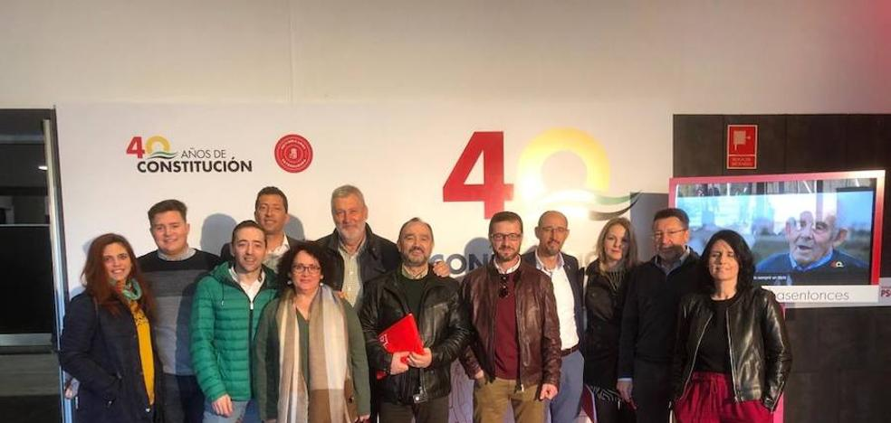 Los llerenenses acuden a la conferencia regional socialista en Mérida