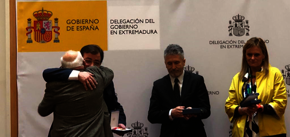 Manuel Herrojo, vecino de Llerena, ha sido homenajeado, recibiendo una de las 10 condecoraciones a las victimas del terrorismo