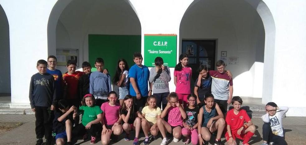 Los alumnos de quinto del Suárez Somonte, segundos en el concurso de relatos infantiles de ADENEX