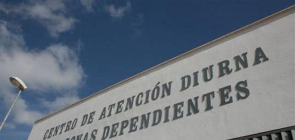 El Ayuntamiento presentará un proyecto para solicitar un centro de noche en AFENAD