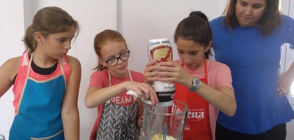 Mañana de aprendizaje gastronómico para los jóvenes llerenenses