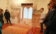 Ya puedes visitar la exposición 'X tiende a infinito', en el Museo Histórico de Llerena