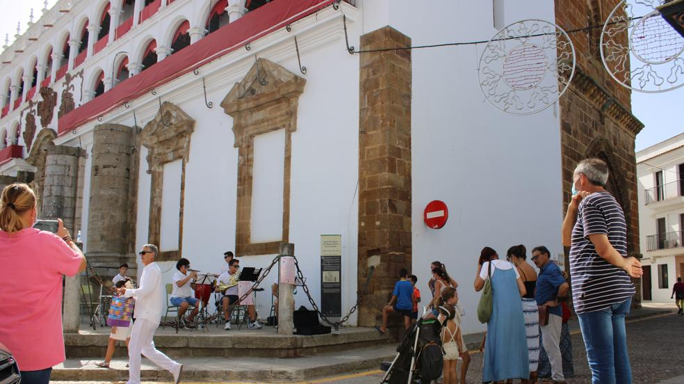 La XIX Jornada de «Música en la Calle» ambienta el centro de Llerena