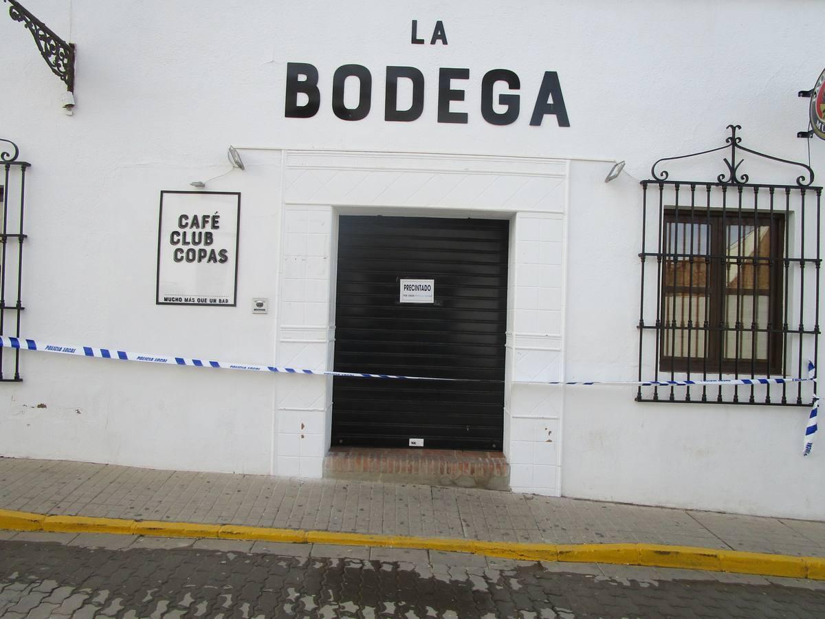 El bar de copas 'La Bodega' precintado por precaución