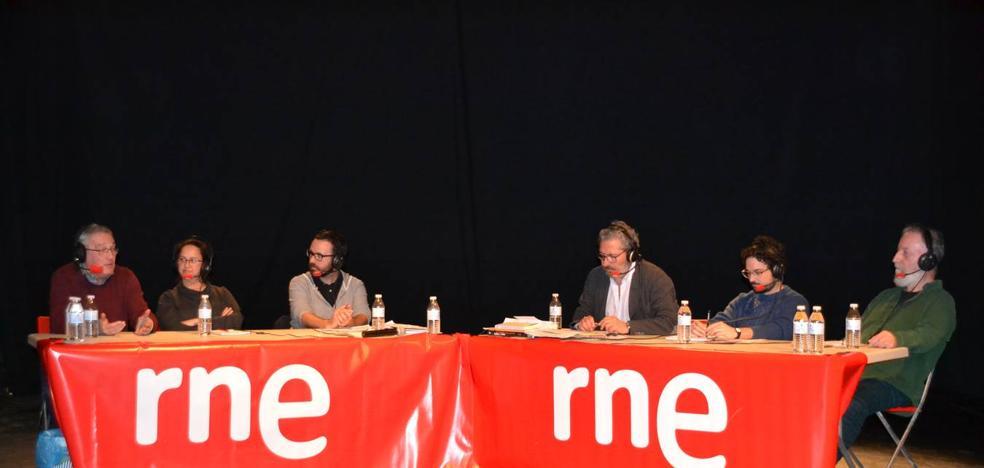 El programa de RNE 'El ojo crítico' se emitió desde la Sala Guirigai con motivo del 40 aniversario de la compañía
