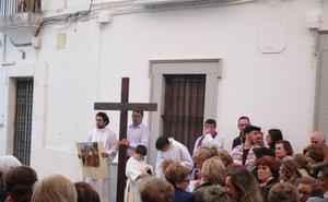 Ayer, el Vía Crucis y esta noche el Cautivo en procesión de silencio