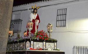 La noche del Martes Santo se inundó de silencio con el Cautivo