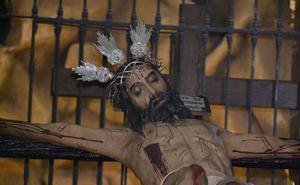 El Cristo de las Misericordias y la Virgen de los Dolores tambien se quedaron en la Parroquia por culpa de la lluvia