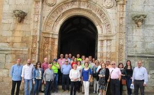 La visita a monumentos del pueblo, un éxito gracias a los guías voluntarios