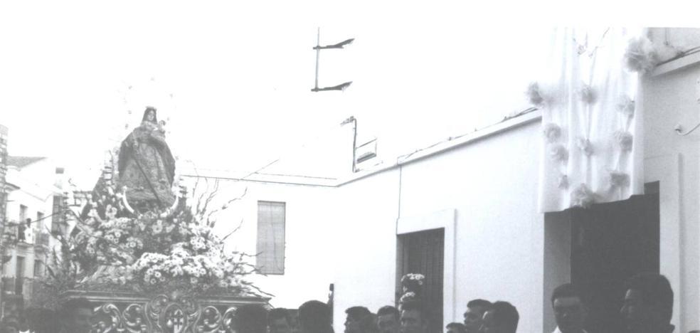 90 costaleros sacarán en procesión a la Virgen de la Estrella