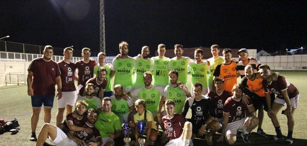 El equipo 'Mambo' ganador del séptimo torneo de fútbol 7