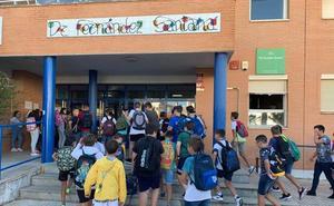 Más de mil alumnos de infantil, primaria y secundaria han vuelto al cole
