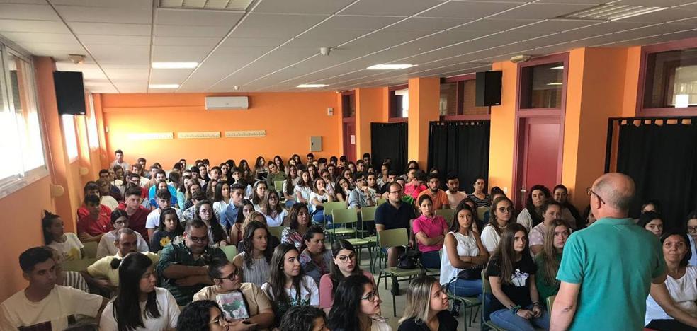 100 alumnos de bachillerato y 60 de 2º de Ciclos Formativos,inician el curso en el Instituto